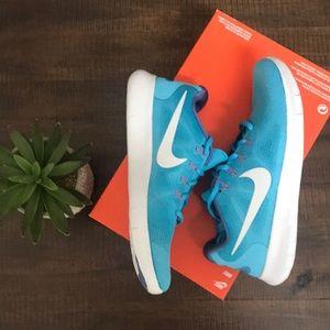 NEW Women's Nike Free Run 2017